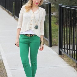 Beyaz İle Yeşil Pantolon Modelleri