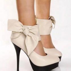 Fiyonklu Bilekten Bağlı Ayakkabı Modelleri
