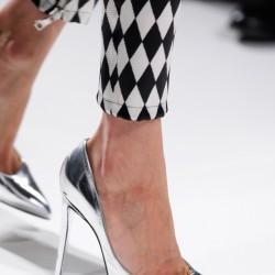 Gümüş Metalik Ayakkabı Modelleri