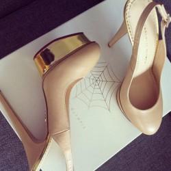 Krem Metalik Ayakkabı Modelleri