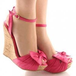 Dolgu Topuk Yeni Pembe Yazlık Ayakkabı Modelleri
