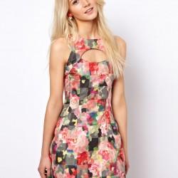 Farklı Çiçekli Elbise Modelleri