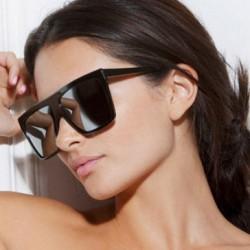 Köşeli Yeni Güneş Gözlüğü Modelleri