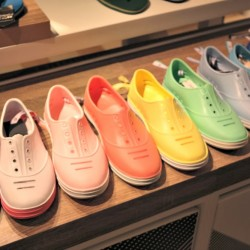 Renkli Praiaz Ayakkabı Modelleri