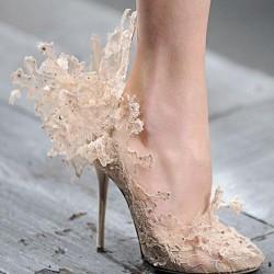 Sıra Dışı Yeni Dantelli Ayakkabı Modelleri