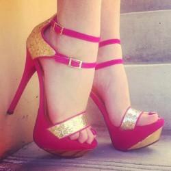 Simli Yeni Pembe Yazlık Ayakkabı Modelleri