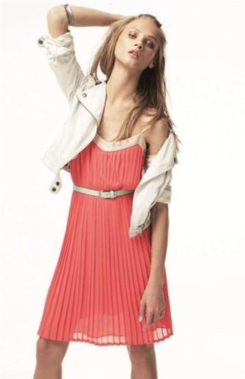 f5a023439ed5c Yazlık Pileli Elbise Modelleri 2014