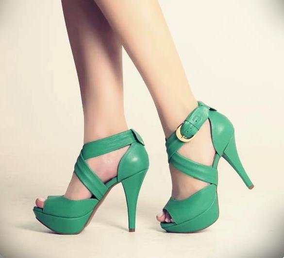 Yeşil Bantlı Ayakkabı Modelleri