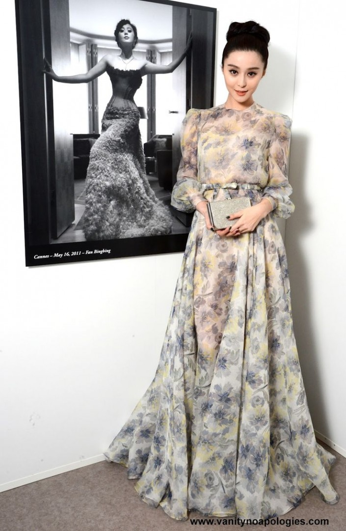 Açık Renkli Kurban Bayramı İçin Elbise Modelleri