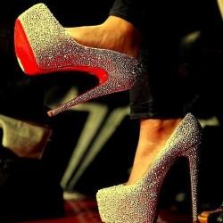 Taş Detaylı Parlak Topuklu Ayakkabı Modelleri