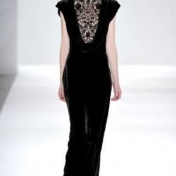 İşlemeli Kadife Elbise Modelleri