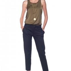 Lacivert Pantolon ve Bluz Şık Kombin Türleri