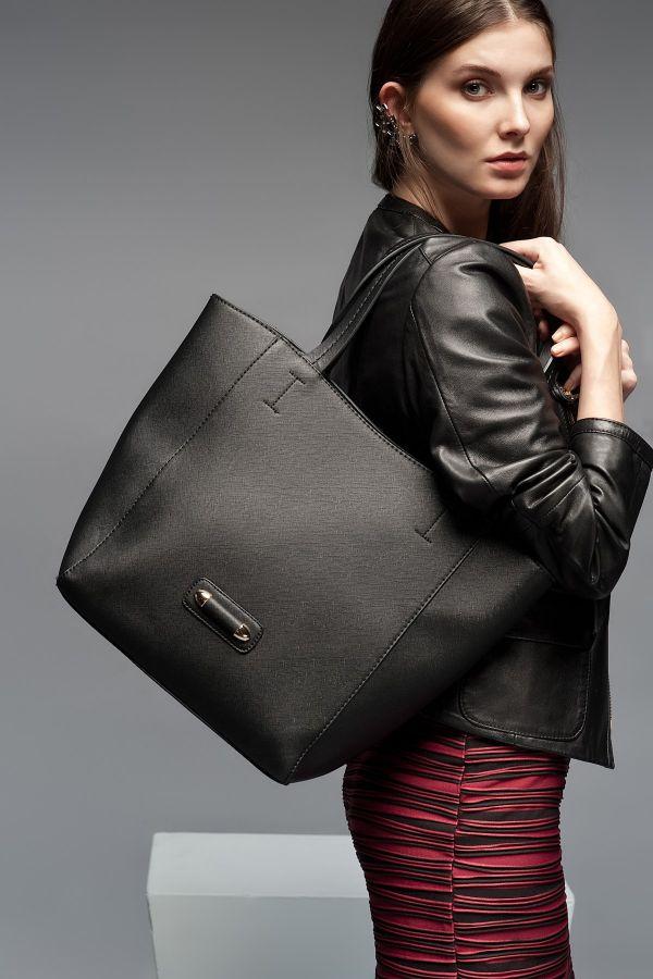 Zarif Siyah Hotiç Çanta Modelleri