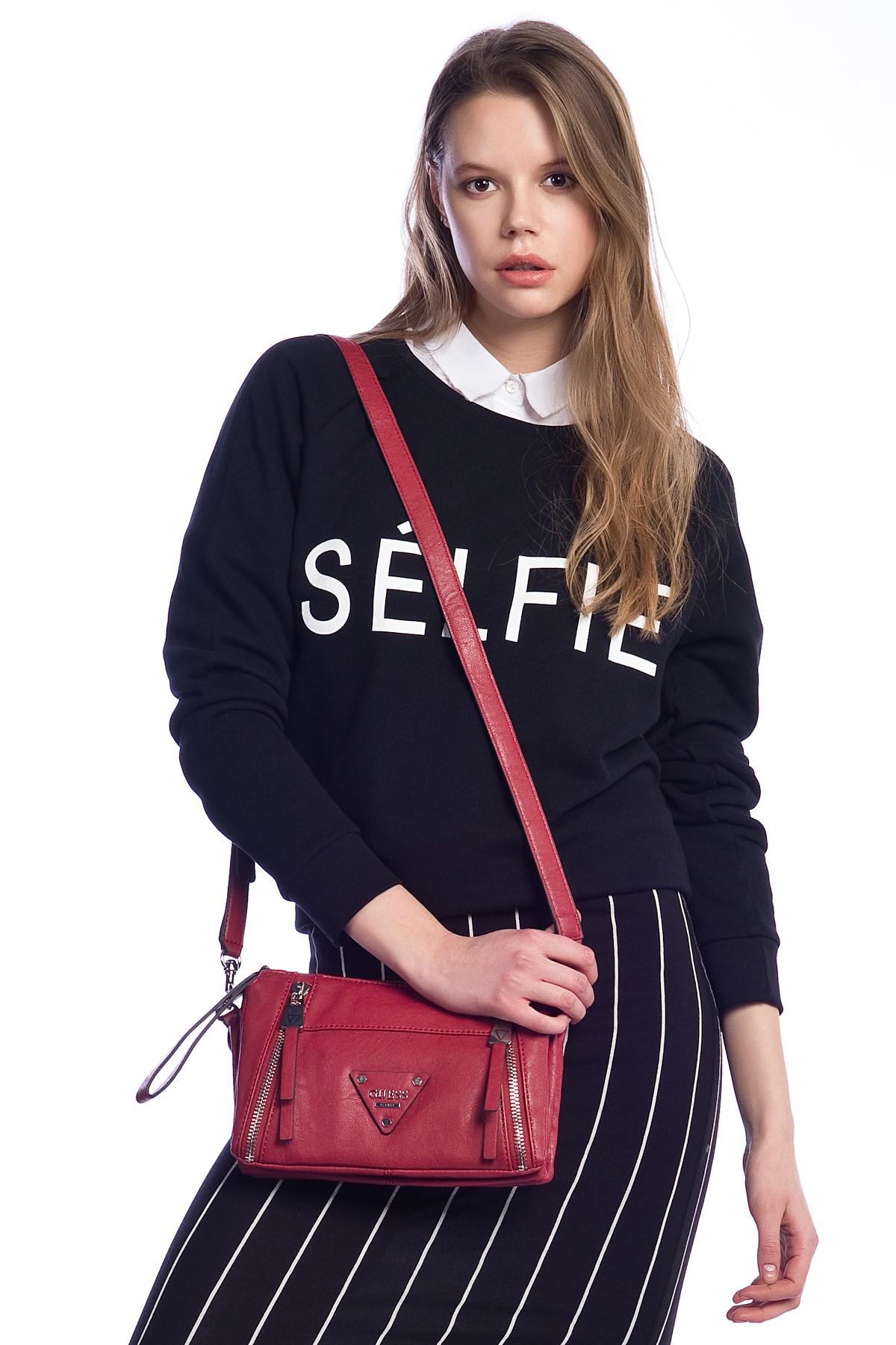 Kırmızı Guess 2015 Çanta Modellerii