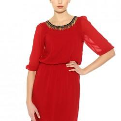 Yakası İşlemeli Kırmızı Batik Yeni Sezon Elbise Modelleri