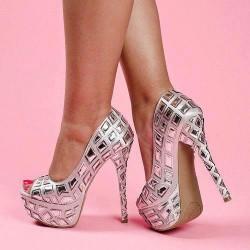 İddialı Yeni Sezon Parlak Topuklu Ayakkabı Modelleri