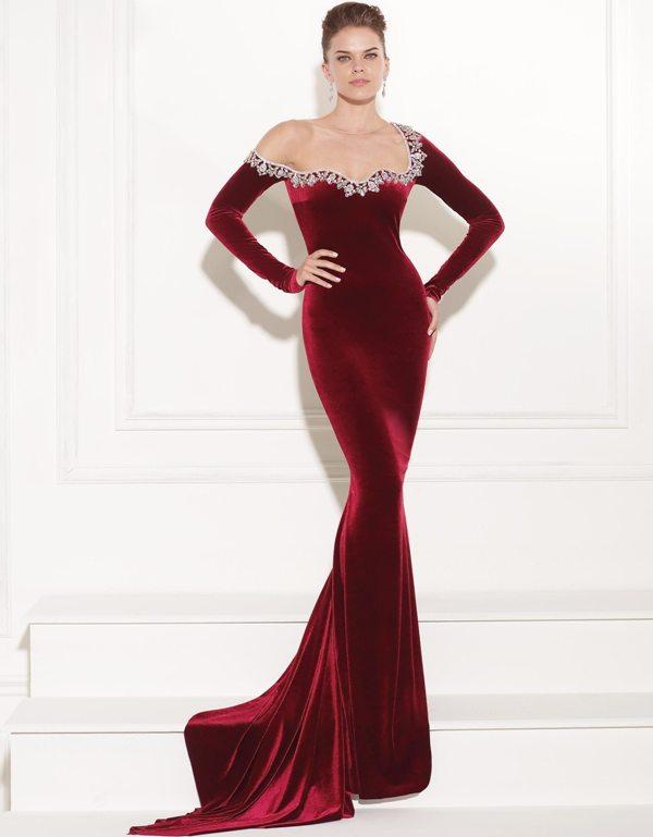 İşlemeli Bordo Kadife Elbise Modası