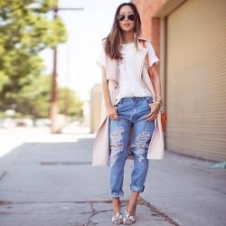 Açık Mavi Yırtık Pantolon Modelleri