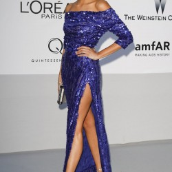 Payet Detaylı Saks Mavisi Elbise Modelleri