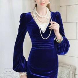 Saks Mavisi Kadife Elbise Modası