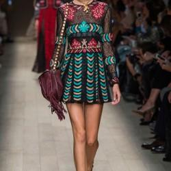 İddialı Etnik Desenli Elbise Modelleri