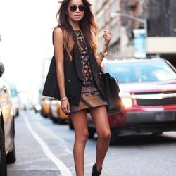 Kolsuz Kısa Etnik Desenli Elbise Modelleri