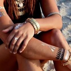 Altın Sarısı 2015 Yaz Trendi Geçici Dövme Modası