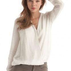 Dökümlü Beyaz V Yaka Bluz Modelleri