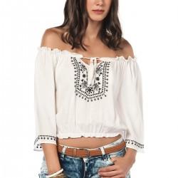 Desenli Beyaz Kayık Yaka Bluz Modelleri
