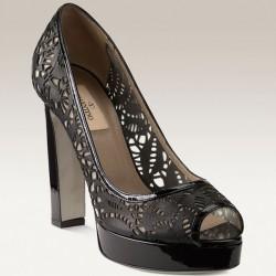 Burnu Açık Siyah Lazer Kesim Ayakkabı Modelleri