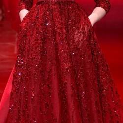 Cepli Kırmızı V Yaka Elbise Modelleri