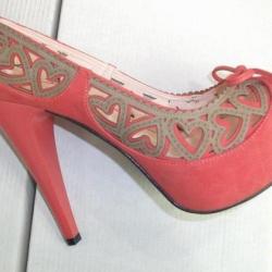 Pembe Lazer Kesim Ayakkabı Modelleri