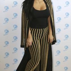 Çizgili-pantolon-kombinleri (kim-kardashian)
