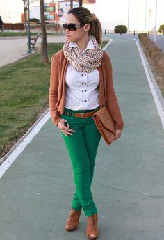 En güzel yeşil pantolon kombinleri modelleri
