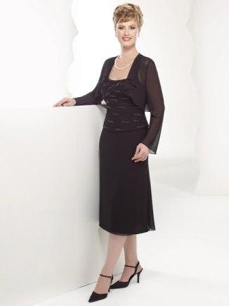 Orta yaş siyah renkli çok şık elbise modelleri