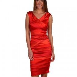 Parlak Kırmızı Kıyafetler