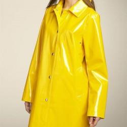 Sarı renkli çok güzel yağmurluk modeli