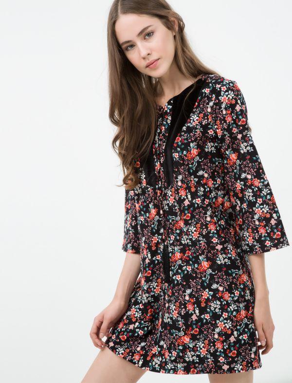 157eb8d3a8369 Çiçek Desenli Koton Elbise Modelleri