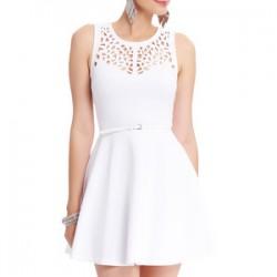 Beyaz Renkli Lazer Kesim Elbise Modelleri