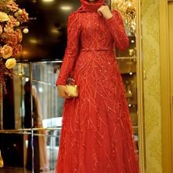 Kırmızı Rekli Çok Güzel Tesettür Abiye Modelleri