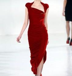 Kırmızı Renkli Kadife Elbise Modelleri