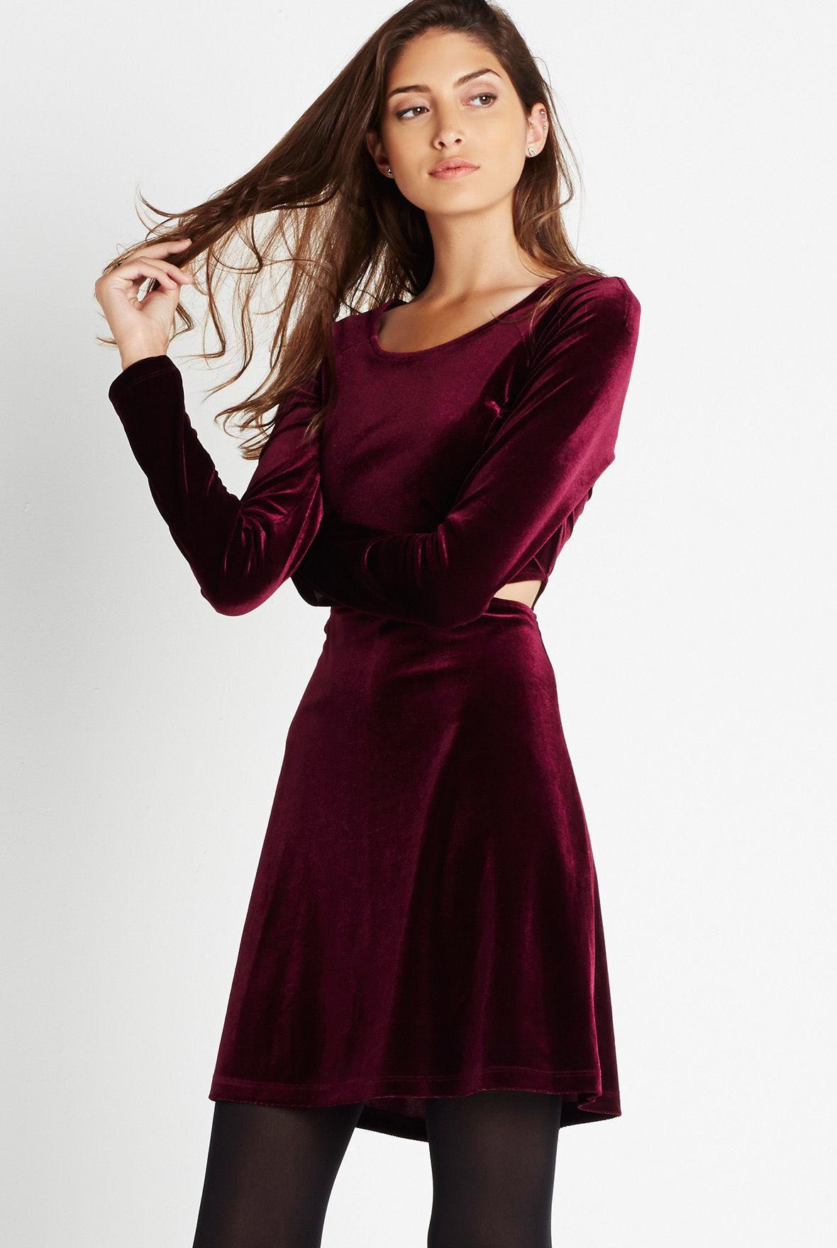 Yeni Sezon Kadife Kloş Elbise Modelleri