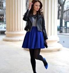 Mavi Etek ve Siyah Ceket Kombinleri