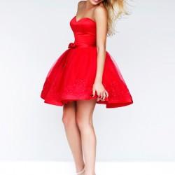 Straplez Kırmızı Renkli Kısa Kloş Abiye Modelleri