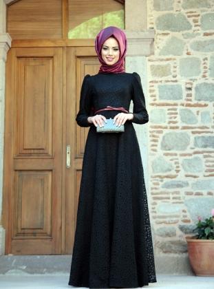 Dantel İşlemeli ve Kemer Detaylı Siyah Tesettür Abiye Modelleri 2016