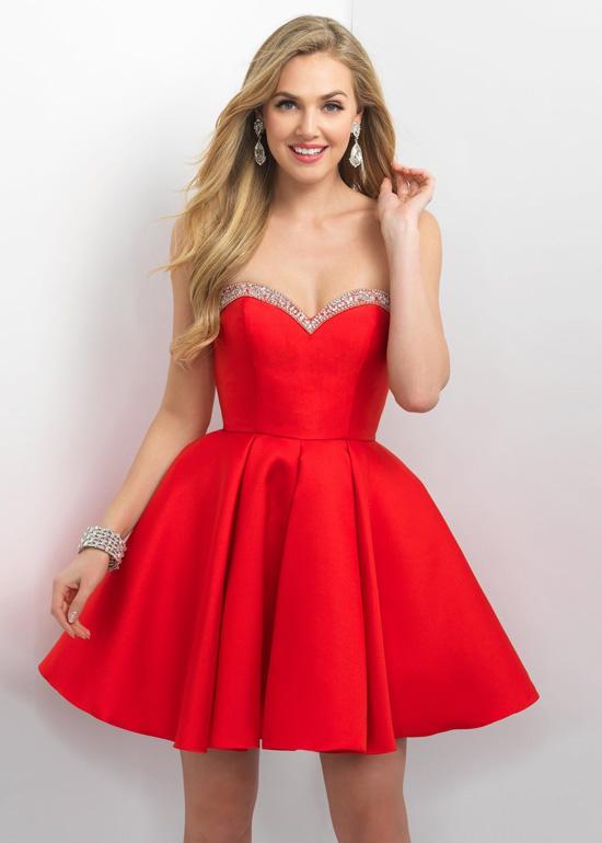 Yeni Sezon En İddialı Kloş Elbise Modelleri