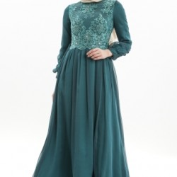Zümrüt Yeşili İşlemeli Armine Tesettür Elbise Modelleri 2016
