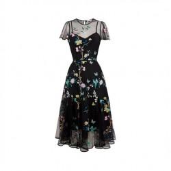 En Güzel İşlemeli Elbise Modelleri