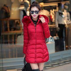 Kırmızı Renkte Çok Zarif Kış Aylarında Bayanların En Çok Beğeneceği Şişme Mont Modelleri