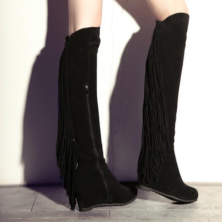 Siyah Yandan Fermuar Detaylı Püsküllü Çizme Modelleri